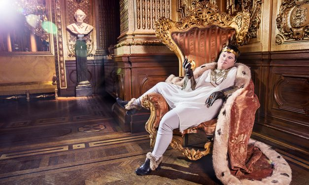 6.9.-3.11.2019 Ikonit – näyttely oikeudesta olla olemassa & Pekka Elomaa ja lyhdyn työryhmä – Marat ja muita muotokuvia