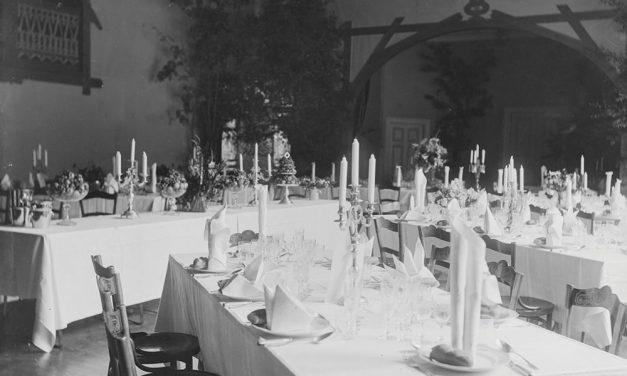 Parasta pöytään! – Juhlakattaukset ja -ruuat kautta aikojen 13.12.2019–8.3.2020
